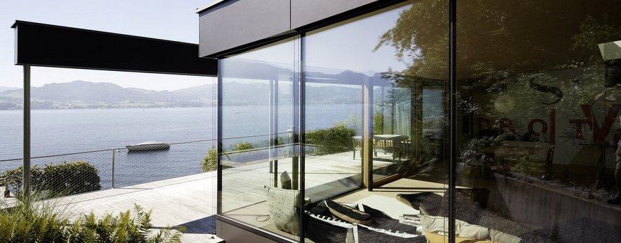 Elmer Ganzglasfassade beim Haus am See