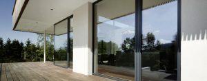 Elmer ganzglasfassade in waxenberg