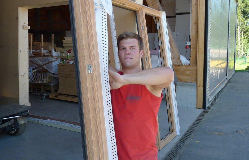 Monteur Fenstereinbau